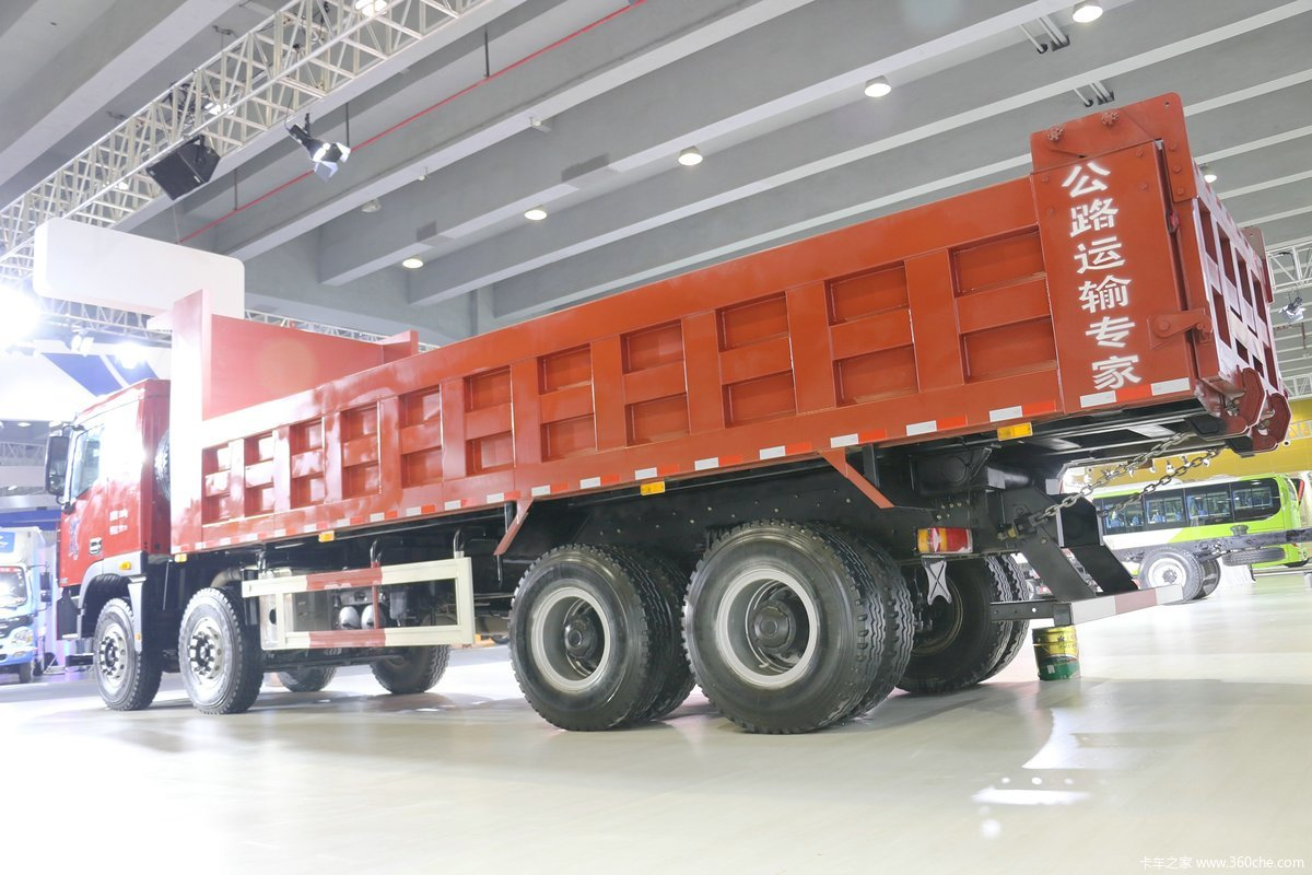福田欧曼 gtl9系 8x4 重载版自卸车图片