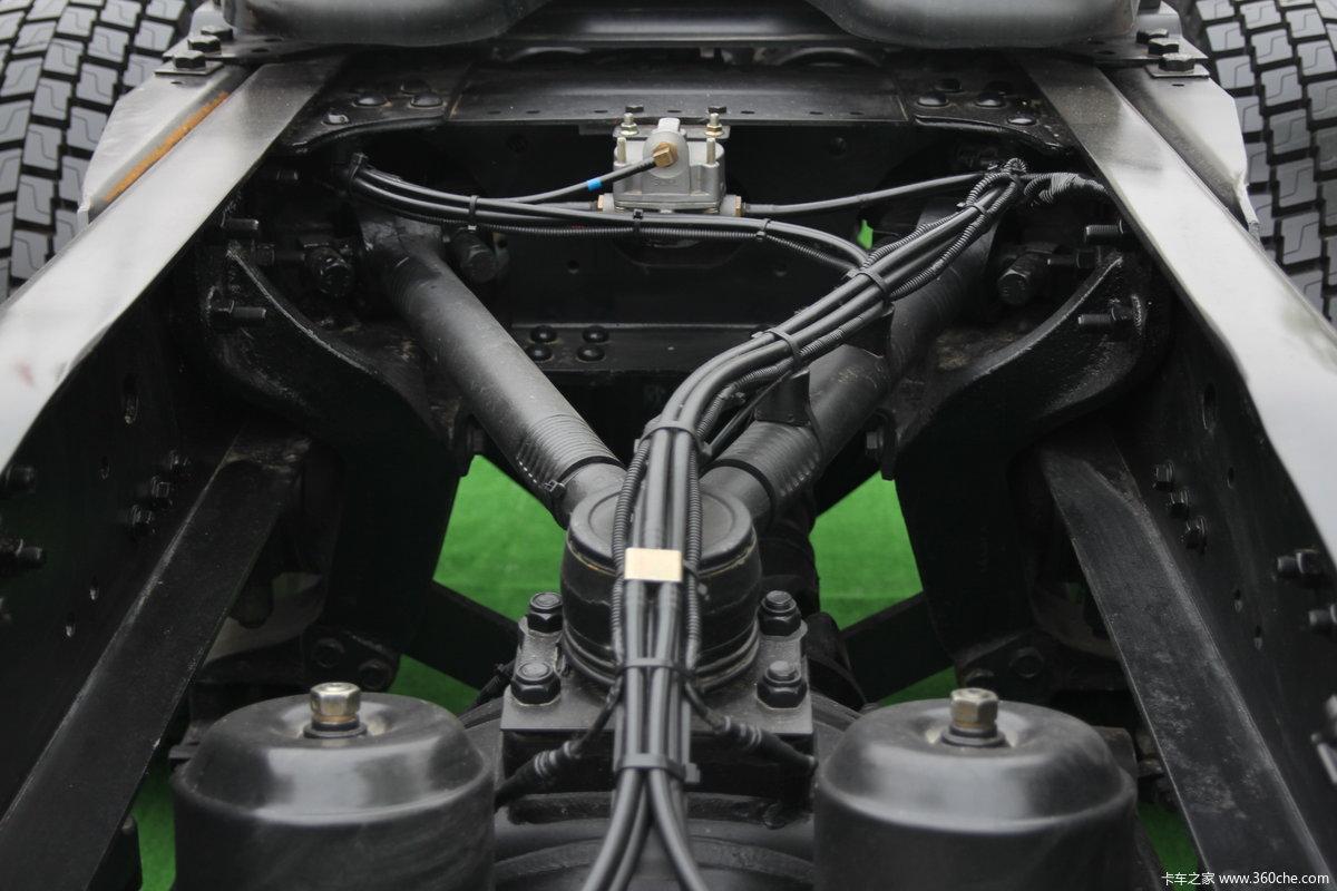 福田欧曼etx6系标准版牵引车(lng)