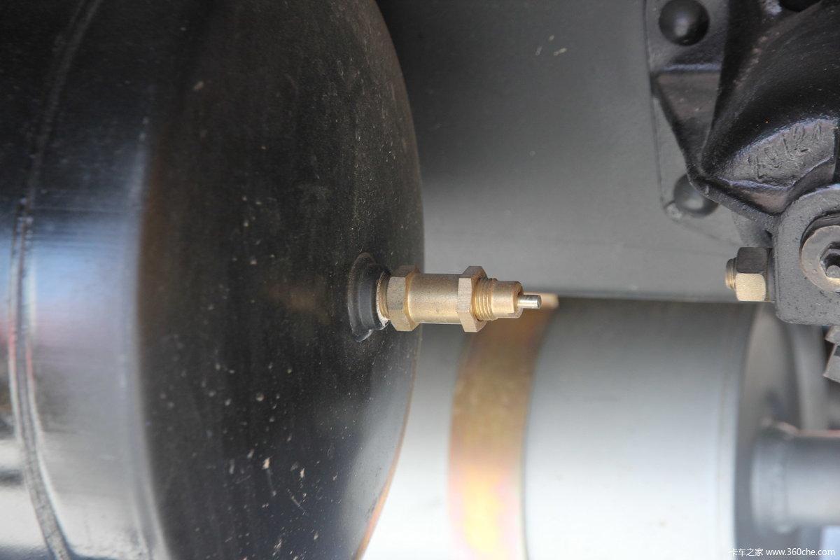2012年北京国际车展(4月23日) > 金杯汽车展台 > 金杯3588核动力自卸