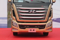 四川现代 Xcient创虎重卡 黄金特别版 520马力 6X4牵引车