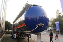中集瑞江 43方易燃液体罐式运输半挂车
